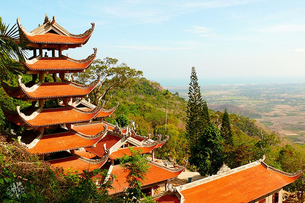Tacu Mountain Tour Phan thiet